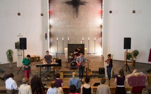 Tochtergemeinde Aachen Jul14 Gottesdienst Saal